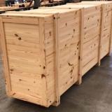 caixa de madeira crua